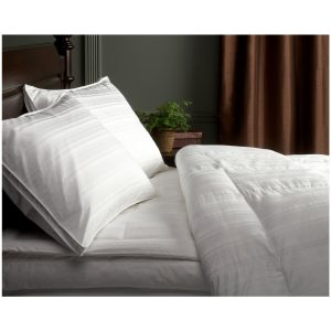 Pinzon Pyrenees White Goose Down Comforter Medium Warmth