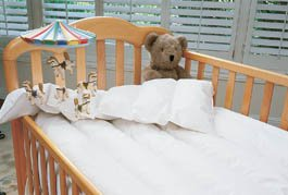 goose-down-comforter-baby-crib